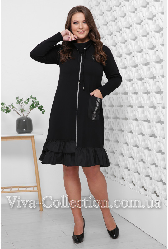 Черное стильное платье с воланом внизу