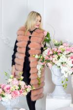 Жилет из натурального меха, цвет абрикос