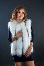 Жилет из меха полярной лисы