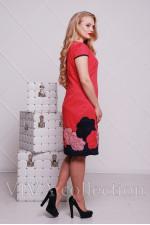Женское платье с аппликацией